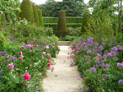 Private Tours to Oxford & Hidcote Manor garden
