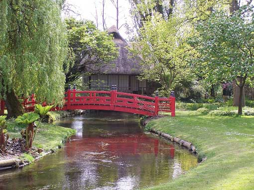 Private Tours to Salisbury & the Heale Garden