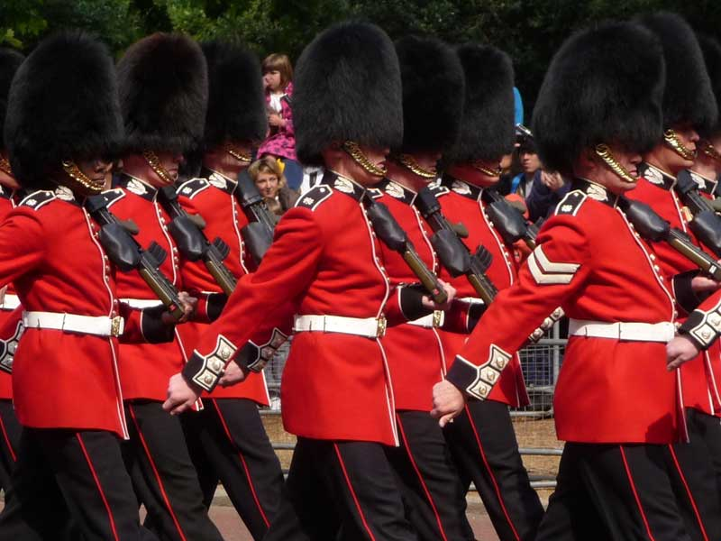 London Highlights Tour Changing of the Guard at Buckingham Palace
